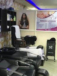 Pari Unisex Salon photo 2