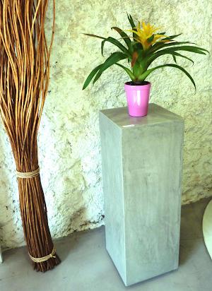 sellette-en-beton-cire-sur-mesure-mobilier-contemporain-pour-maison-moderne-paris-les-betons-de-clara
