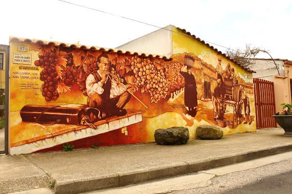 Paese dei Murales di ariosa