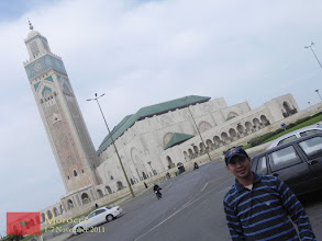 Photo: probably the world's 7th largest mosque (according to Wikipedia) - the Hassan II Mosque in Casablanca