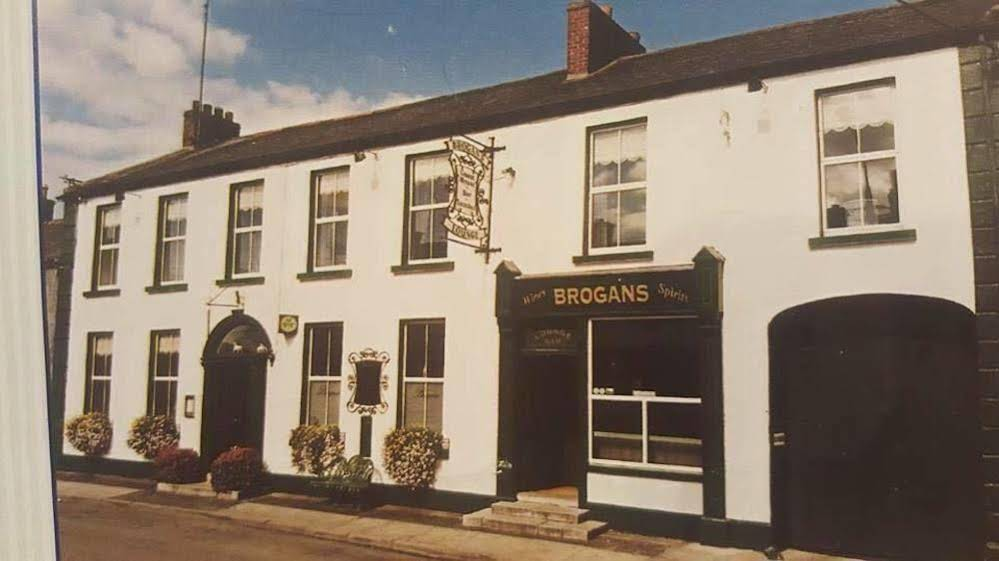 Brogans Bar and Guesthouse