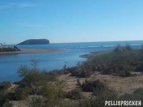 Photo: 2½ månad efter översvämningen i Bolnuevo.. sandstränderna arbetar sig mot varandra  igen. Snart kanske man kan gå torrskodd över där igen???