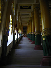 Photo: Staircase to Shwedagon