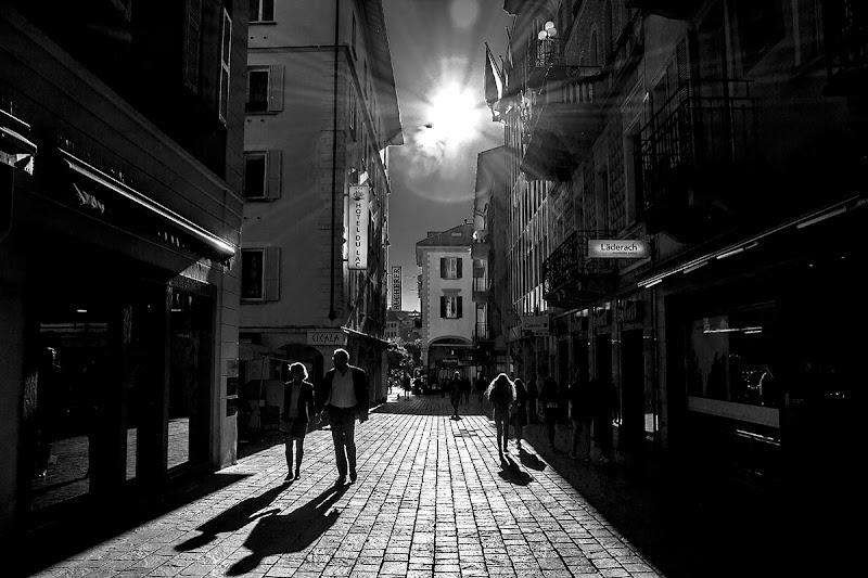 Ombre nella luce di Simone De Barba