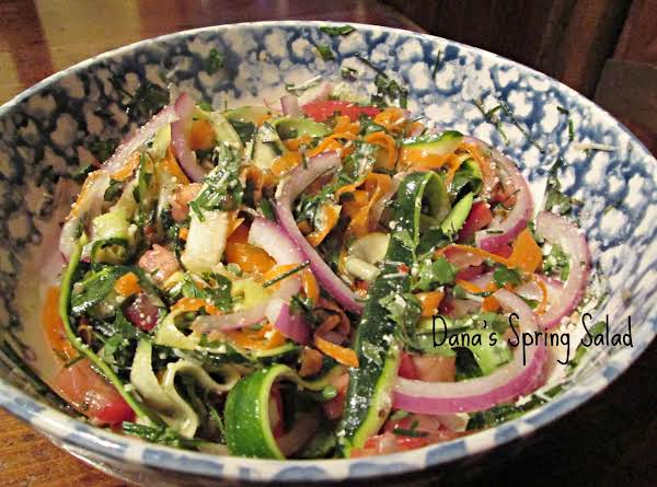 Dana's Light Spring Salad - Yum! Recipe