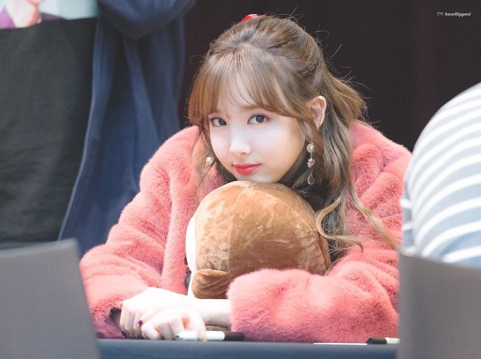 teddybearcoats_twice_nayeon