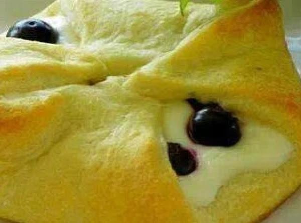 Blueberry Cheese Rolls Recipe