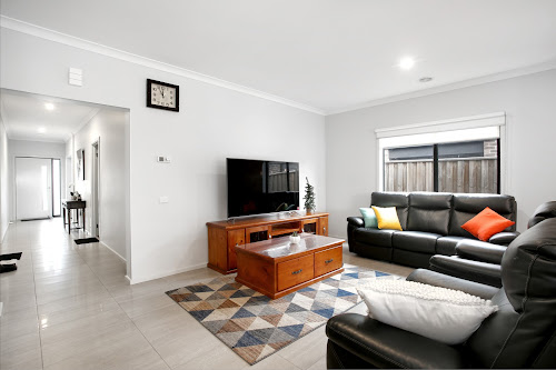Photo of property at 50 Wilmington Avenue, Cranbourne West 3977