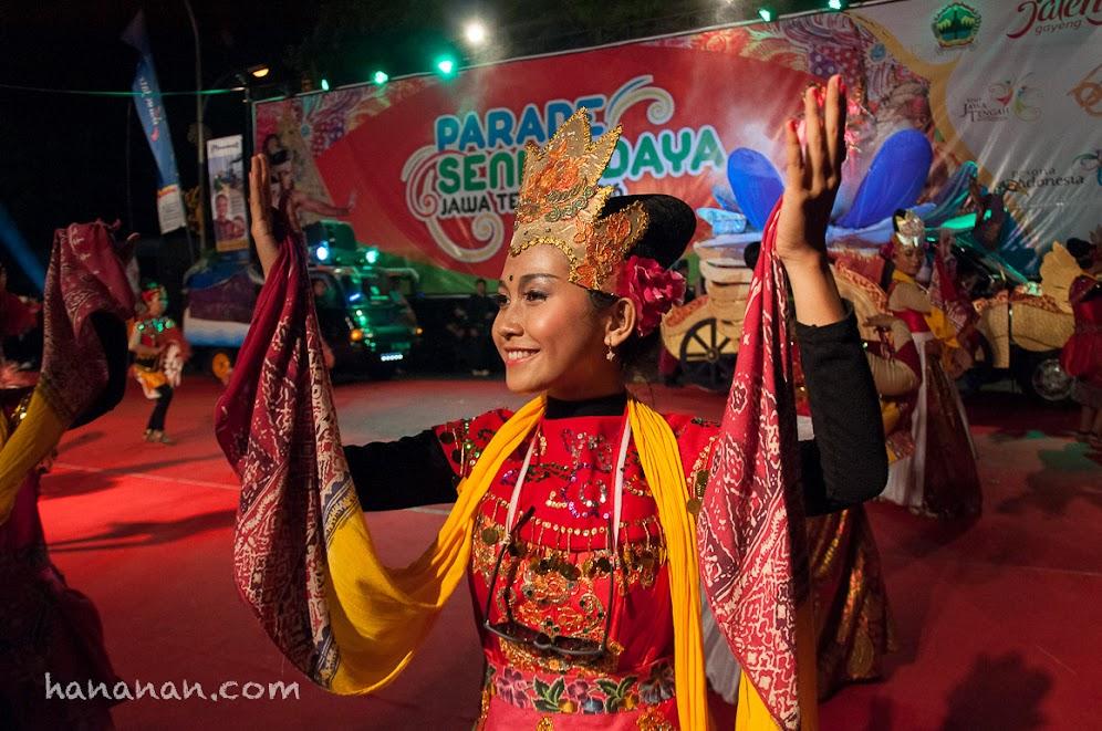 Setiap kontingen mengerahkan semua kemampuan mereka untuk tampil di perayaan Hari Ulang Tahun Jawa Tengah ke 66.
