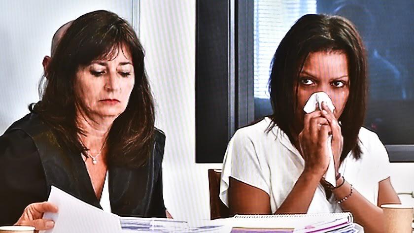 Ana Julia Quezada y la abogada Beatriz Gámez