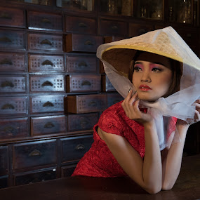 Yes~ by Koon Lee - People Portraits of Women ( face, fashion, unique, girl, asia, vietnamese, pretty, women,  )