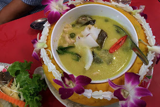 "Photo: young coconut and chicken green curry (""gkaeng kiew wahn gkai maprao awn""), Toh Plue"
