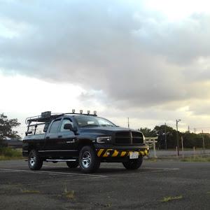ラム トラック  SLT V8HEMIのカスタム事例画像 吉田重工業さんの2021年09月26日21:16の投稿