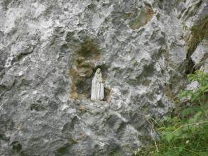 Photo: Madonnina nella roccia.