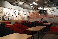 H Lounge photo 5