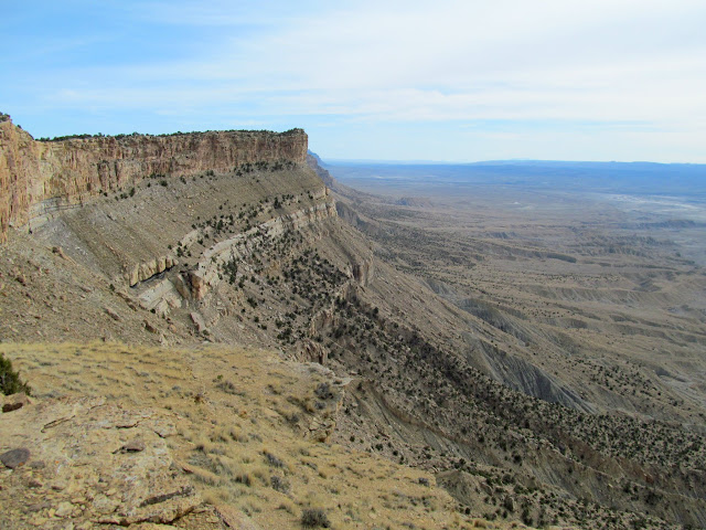 View south from the top of the Book Cliffs