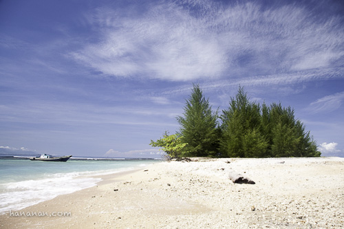pasir putih pulau gosong