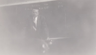 Photo: Harald Cramér lecturing at Berkeley