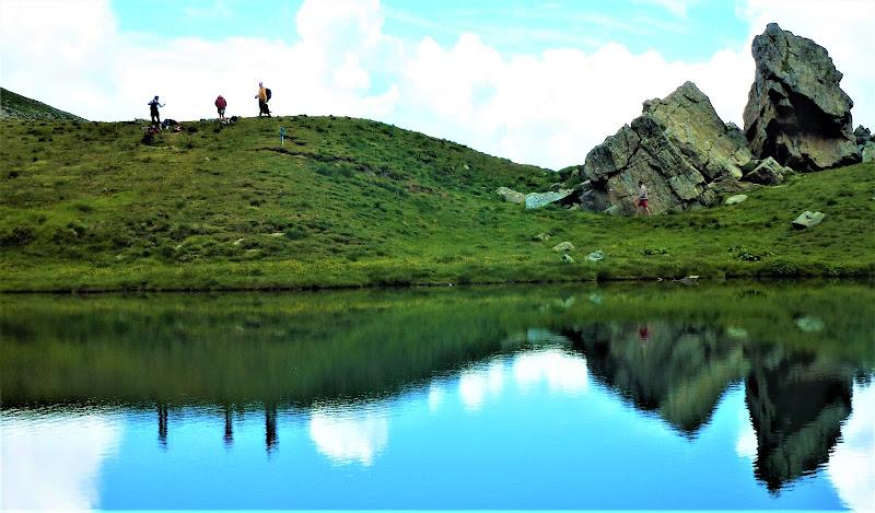Lago alpino di elibetta