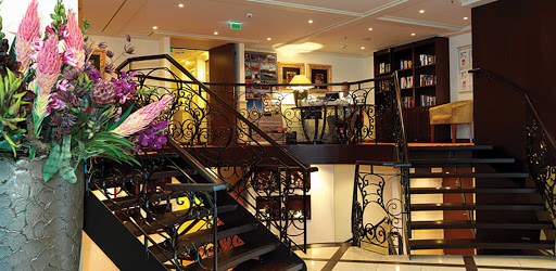 amadolce-lobby-area.jpg - The two-deck foyer on AmaWaterways' AmaDolce.