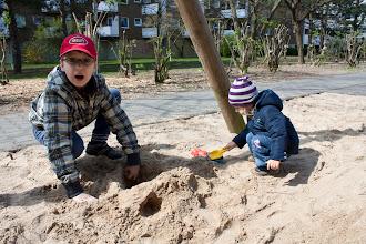 Photo: with aunt in sandbox / с тётей в песочнице