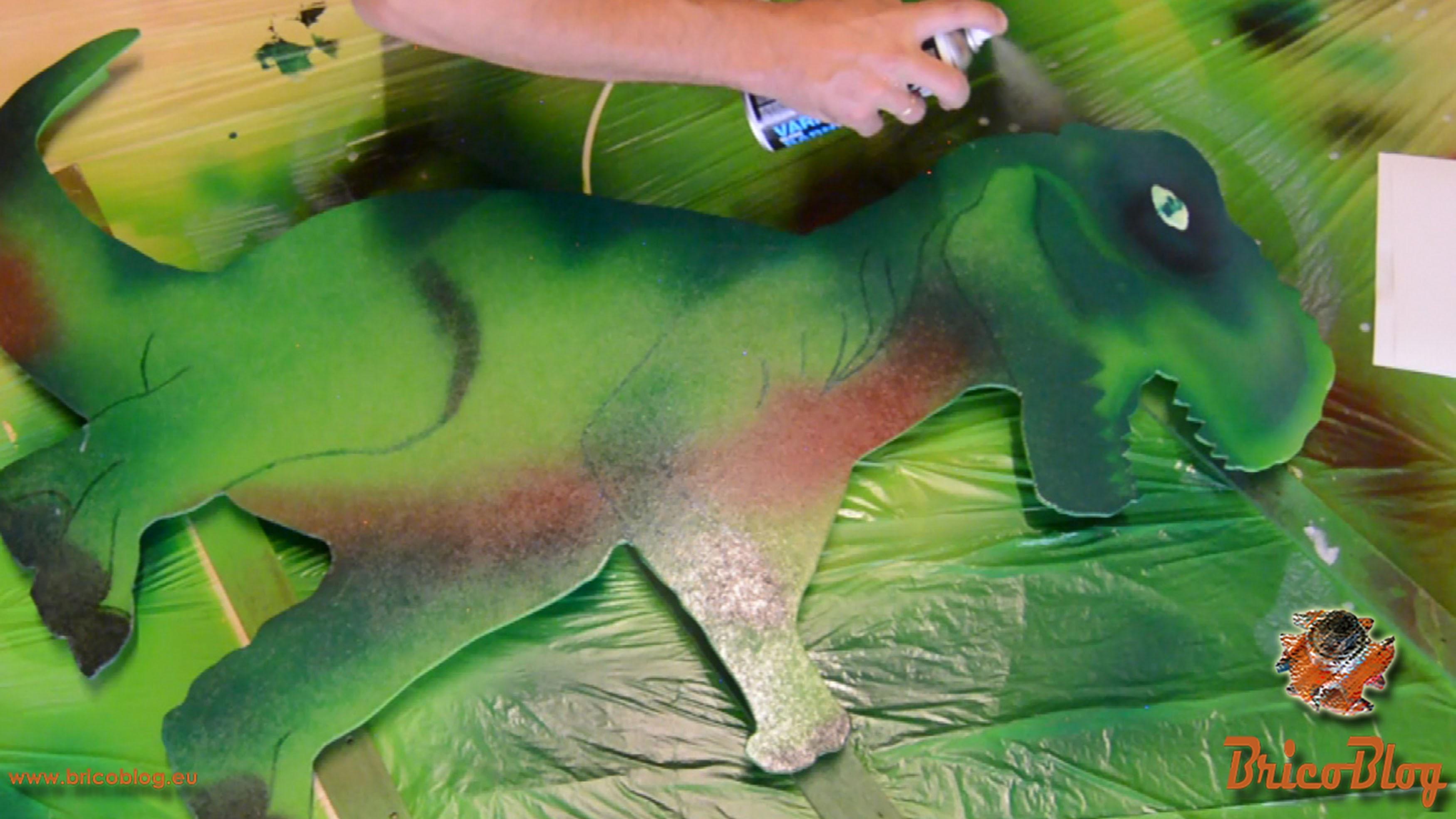 Dinosaurio decorativo infantil retroiluminado 16