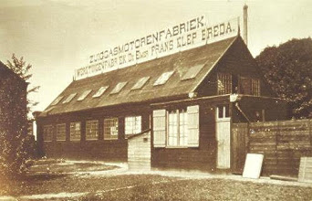Photo: 1905 De Emer zuiggasmotoren-fabriek destijds op Princenhaags grondgebied.