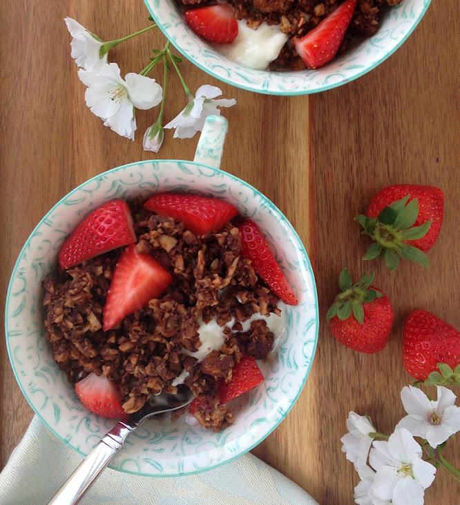 Triple Chocolate Paleo Granola Recipe