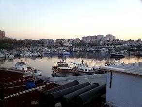Photo: Hajnal az isztambuli kikötőben.