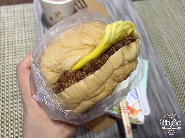 明峰早餐店 | 桃園美食 |現炸的炸豬排漢堡