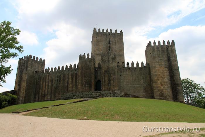 Замок Гимарайнш, Португалия