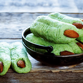 Witch's Finger Halloween Breadsticks