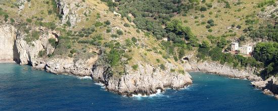 """Photo: Capitiello divide le due """"spiagge"""" di Jeranto"""