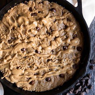 5-Ingredient Flourless Peanut Butter Chocolate Chip Skillet + video!