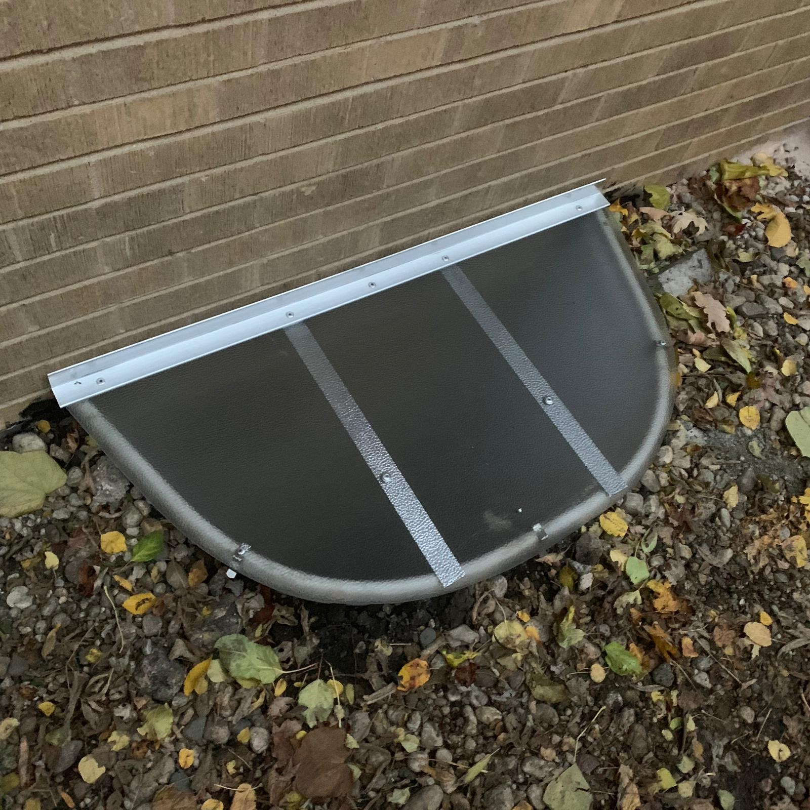 Willowbrook, IL-HandyManny Custom Window Well Covers