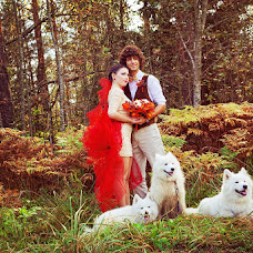 Wedding photographer Alena Zvezdina (Viorteia). Photo of 30.10.2012