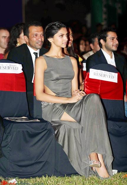 Deepika Padukone feet,  Deepika Padukone in high heels, Deepika Padukone at cosmopolitan awards