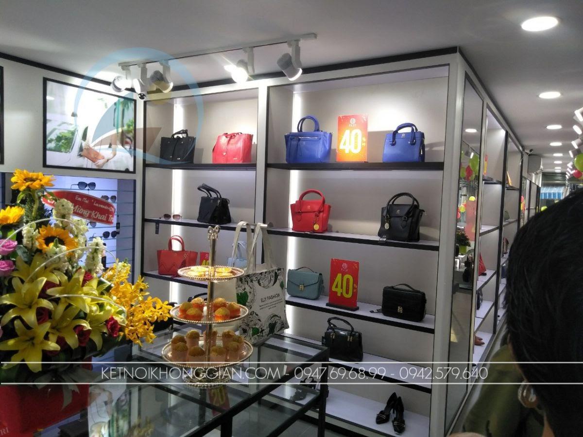 thiết kế shop túi xách Elly Huế 9