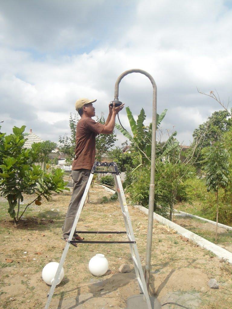 rusunawa sleman : perbaikan lampu taman 2