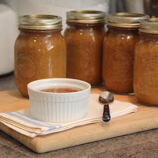 Cooking & Preserving Homemade Applesauce.
