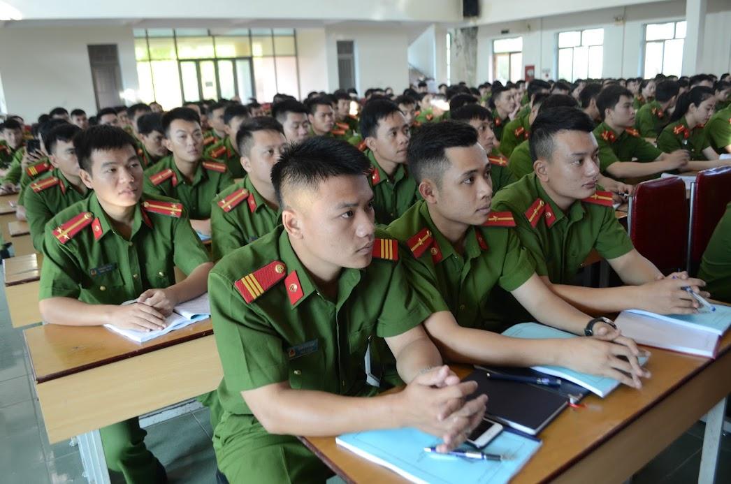 CBCS thuộc Công an các đơn vị, địa phương tham gia tập huấn.
