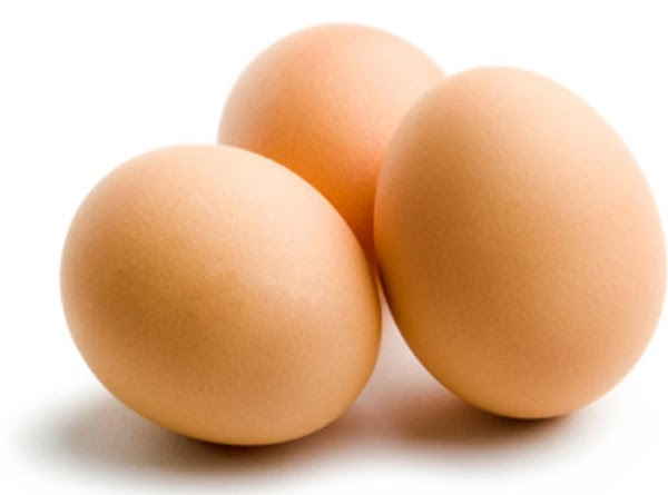 LET EGGS STAND AT ROOM TEMPERATURE 30 MINUTES. PREHEAT OVEN TO 350 DEGREES. GREASE...