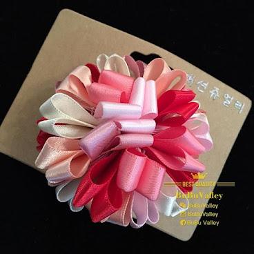 Handmade 6cm Flower ball Hairpins HKD45 , included local shipment fee. We can ship to worldwide. #princesse #Hongkong #flowers #ball #hairpins #girl #髮夾 #baby #嬰兒 #bb #手作 #自家制 #mini #女 #蝴蝶结 #蝴蝶 #handmade #bowtie #bow #絲帶