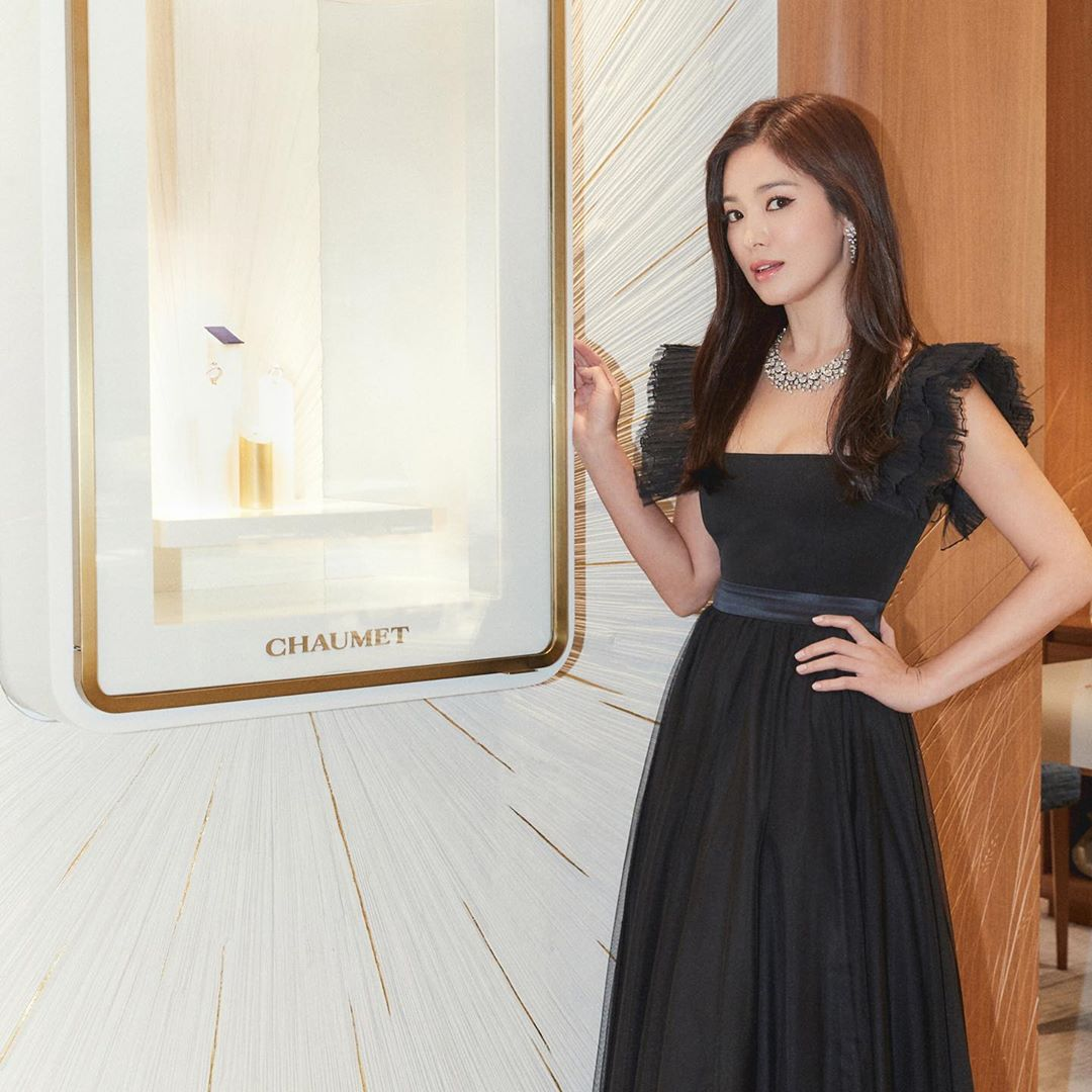 hyekyo gown 40