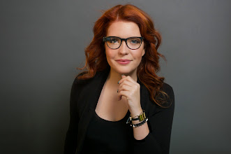 Photo: Isabelle Olsson wearing Charcoal Glass with Curve frames