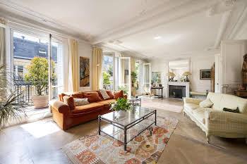 Appartement 8 pièces 211,46 m2