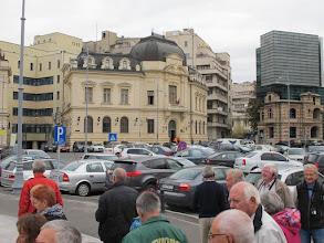 Photo: Rou3S111-151001Bucarest, près place Révolution, fenêtre (hautG) abimée à la révolution IMG_8598