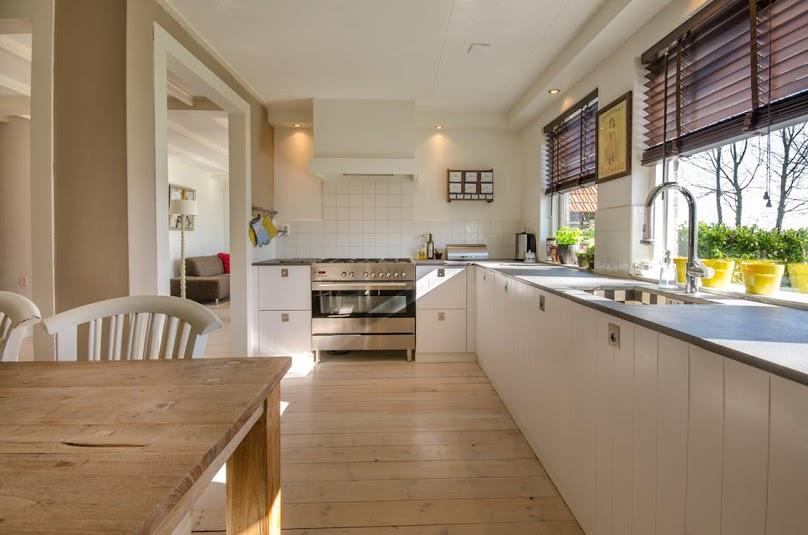 Aranżacja i projekt kuchni ze stołem