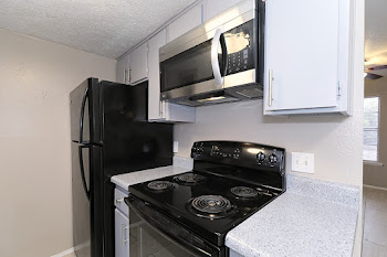 Go to A2 - 1 Bedroom Townhome Floorplan page.