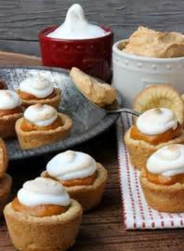 Mini pumpkin fluff pies.http://www.justapinch.com/recipes/dessert/chocolate/fluff-fluff-and-more-fluff.html?p=1this is a good recipe:http://www.justapinch.com/recipes/dessert/other-dessert/pumpkin-fluff-3.html?p=1